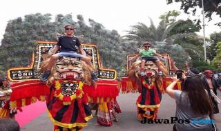 Turis di Surabaya