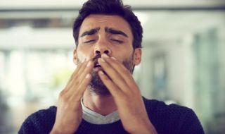7 Resep Herbal yang Ampuh Hentikan Bersin Termasuk Air Garam