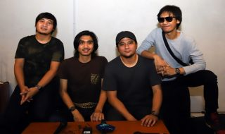 Adam Sheila On 7 Kecewa Atas Pemberhentian Konser di Yogyakarta