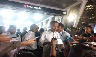 Ajak Penyandang Disabilitas Jajal MRT, Jokowi: Masih Ada Komplain
