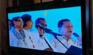 Aksi Panggung Elek Yo Band Hentak Sarasehan LPDP 2019