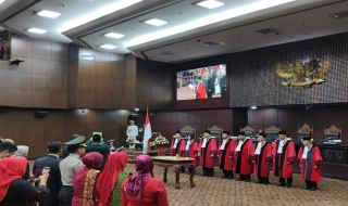 Aswanto Dilantik jadi Wakil Ketua MK RI