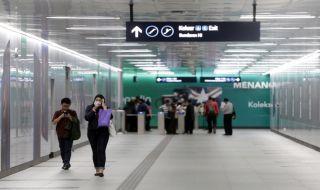 Bela Perilaku Penumpang MRT, Anies: Tak Perlu Menghina, Itu Proses