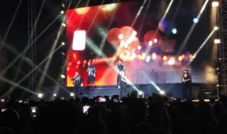 Boyzone Kenang Stephen Gately dalam Konser Perpisahan di Jakarta