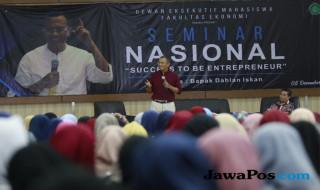 Dahlan Iskan di Gedung Ir Soekarno lantai 5 Universitas Islam Negeri (UIN) Maulana Malik Ibrahim Malang