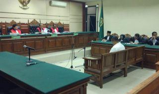 Bupati Mojokerto Divonis 8 Tahun Penjara