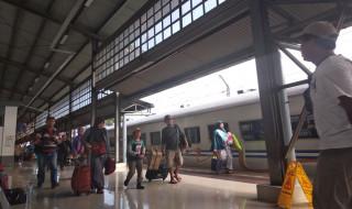 Cuti Bersama Habis, 40.000 Penumpang Padati Stasiun Senen dan Gambir