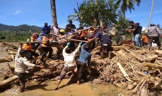 Evakuasi Korban Banjir Dairi