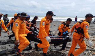Dua Remaja yang Terseret Ombak Pantai Congot Ditemukan Tewas