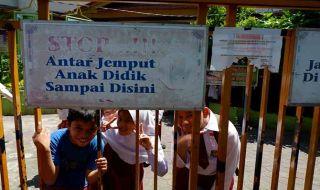 Guru di Pekanbaru Unjuk Rasa, Murid Dipulangkan