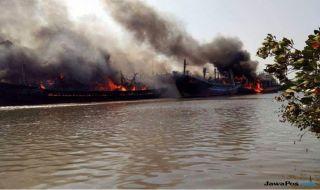 kapal terbakar, kebakaran kapal, kapal pelabuhan tegal