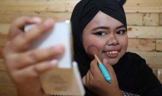 rahmawati kekeyi, fakta rahmawati kekeyi, make up tutorial, vlogger,
