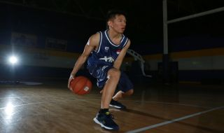 Signature Shoe, Bola Basket, AD1, Abraham Damar Grahita, DBL Indonesia, Azrul Ananda