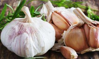Jangan Takut Bau Mulut, Ini 5 Khasiat Makan Bawang Putih Mentah