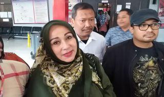 Jenguk Ahmad Dhani di Medaeng, Camelia Malik: Cuma Bawa Hati