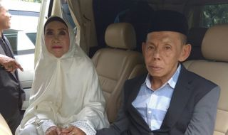 Jodoh Pasti Datang Mblo! Kisah Kakek-Nenek yang Menikah di Usia Senja