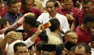 Jokowi Minta Pendukungnya Pakai Baju Putih saat Coblosan
