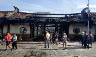 Kelenteng Tertua di Semarang Hangus Terbakar, 1 Orang Tewas