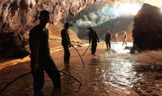 terjebak dalam gua, 12 anak terjebak gua, gua thailand