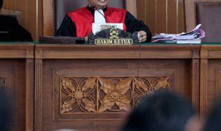 Hakim MA