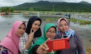tsunami, tsunami banten, tsunami lampung, selfie,