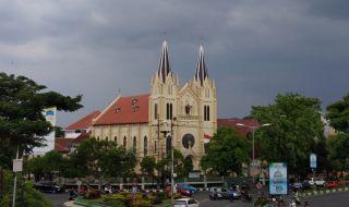 Gereja Paroki Hati Kudus Yesus Gereja Kayutangan Malang