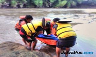 Evakuasi Korban Tenggelam