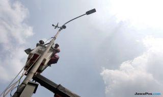 Pemerintah Pasang 21 Ribu Lampu Surya Sepanjang 1.000 Km