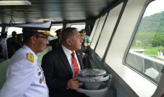 Perkuat Armada 3, Kemenhan Serahkan KRI Teluk Lada ke TNI AL