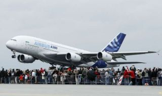 pesawat super jumbo, airbus, A380,