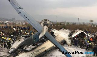 pesawat terbakar, pesawat Bangladesh terbakar