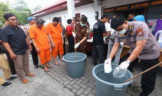 Polda Riau Amankan 12 Kg Sabu dari Lima Lokasi Berbeda