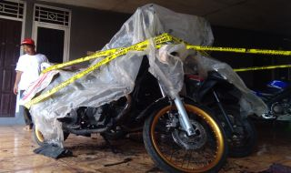 Polisi Temukan Banyak Batang Korek Api di Lokasi Pembakaran Dua Motor