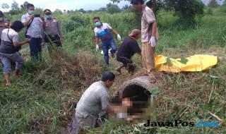 Evakuasi Mayat