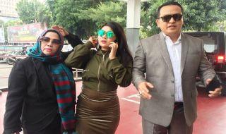 Sambangi Polda Metro Jaya, Meldi Laporkan Balik Dewi Persik