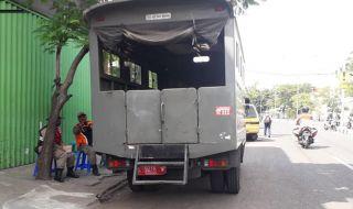 Satpol PP Bersihkan Sisa PKL Gembong yang Masih Nekat Berjualan