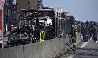 Sopir Bajak dan Bakar Bus Sekolah Berisi 51 Siswa di Italia
