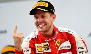 Vettel Akui Ferrari Kurang Jago di Tikungan