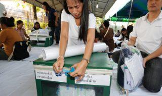 Warga Thailand Diberi 100 Bath agar Pilih Partai Tertentu