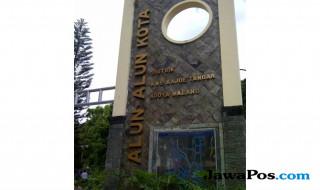 Alun-alun Kota Malang di Jalan Medan Merdeka, kawasan Kayu Tangan
