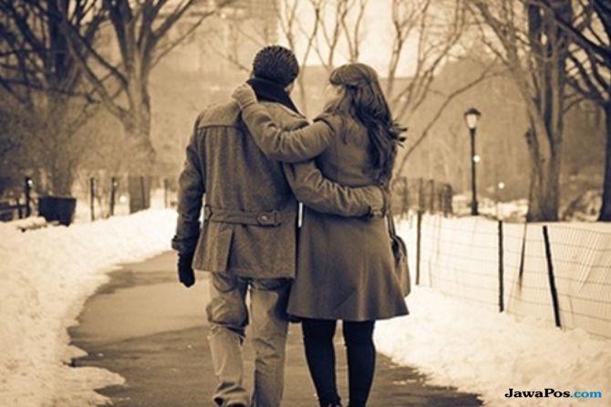 tanda mantan masih cinta, percintaan, tanda cinta pasangan,