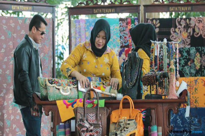 Tantangan Perajin Batik dalam Industri Kreatif 9b5b706798