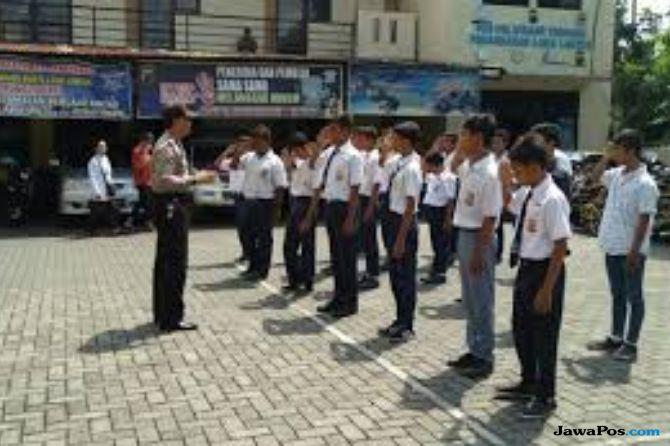 56 Anak SMP di Pekanbaru Nekat Sayat Tangan Sendiri