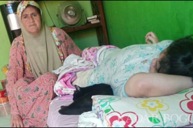 Aisyah, Mualaf Kolombia Bertahan Hidup di Bogor dengan Memulung