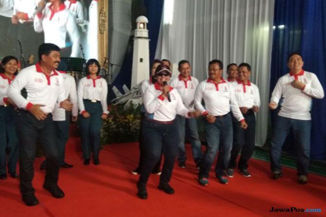 Aksi Saling Puji Hingga Goyang Bersama Antar Jenderal