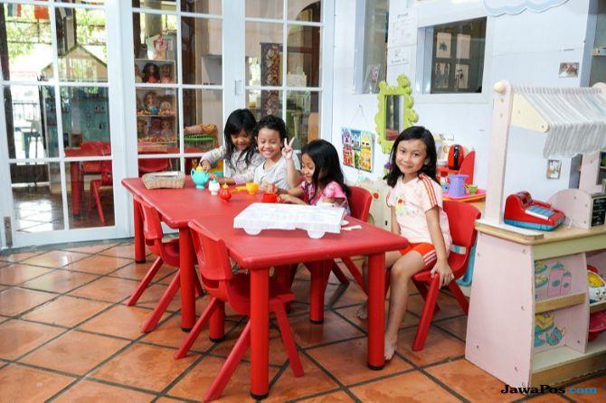 Anak dari Keluarga Miskin Jago Berbahasa Inggris