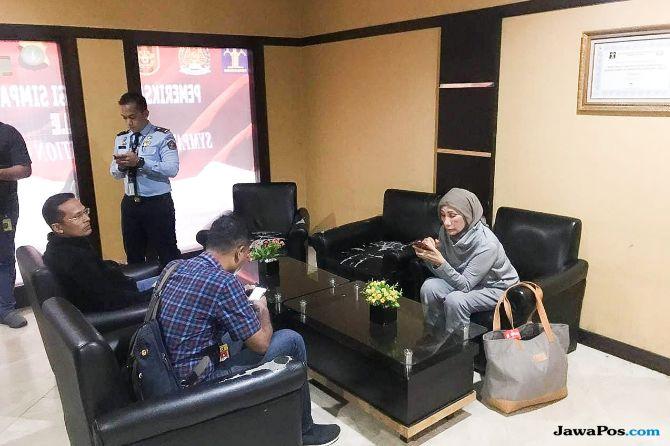 Anies Berikan Ratna Dana Perjalanan, Gembong: Sangat Melenceng!