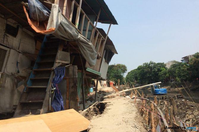 Anies Janji Perbaikan Turap di Jalan Lodan Selesai 2 Minggu
