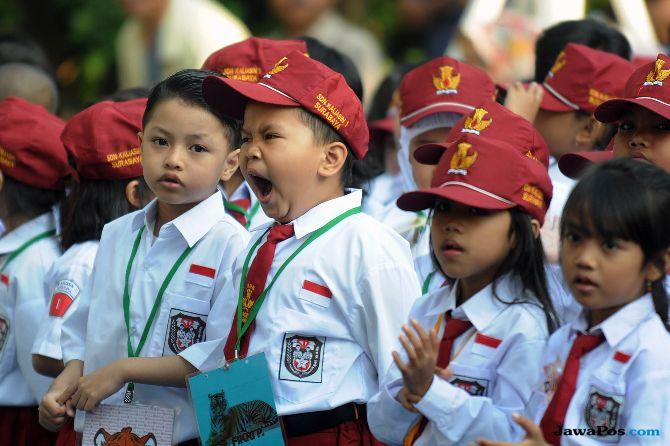 Antarkan Anak ke Sekolah Upaya Antisipasi Perpeloncoan dan Bullying