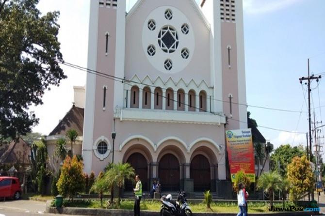 Antisipasi Teror Bom, Gereja Katedral Malang Ditutup